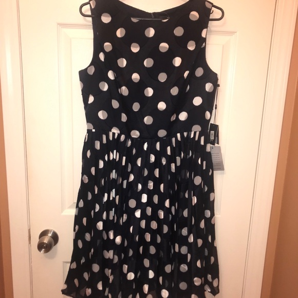 37c66630ce1 Polka dot knee length dress. NWT. Adrianna Papell